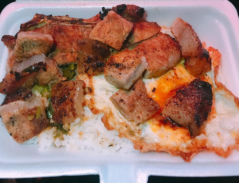 Người ta trổ tài nấu nướng khéo như đầu bếp còn Hari Won thì chỉ thấy ăn thủng bát thủng đĩa thế này đây!-14
