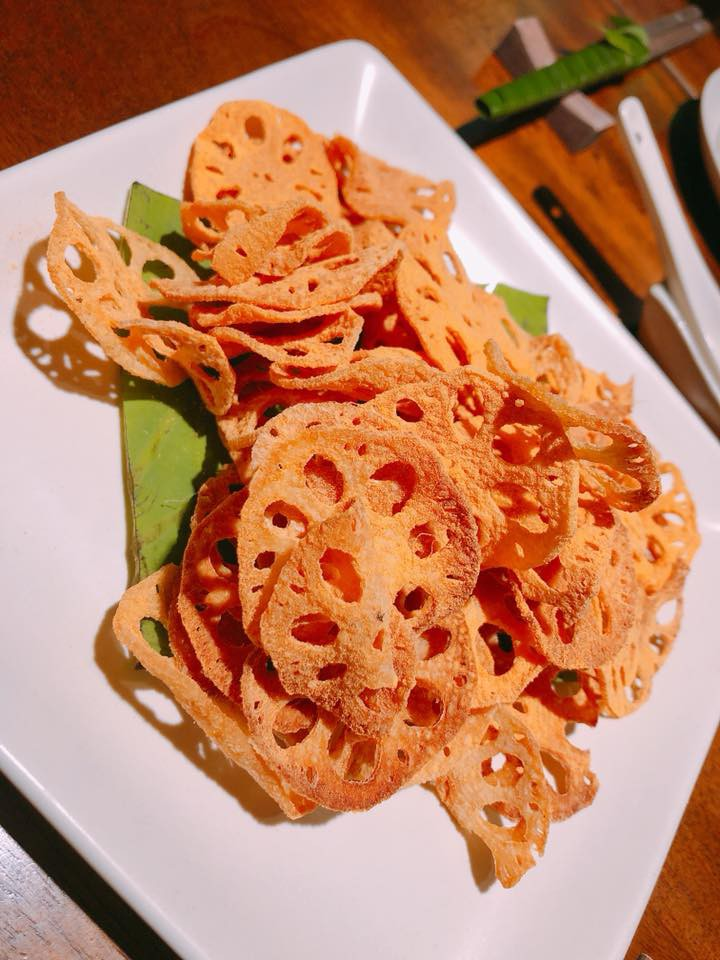 Người ta trổ tài nấu nướng khéo như đầu bếp còn Hari Won thì chỉ thấy ăn thủng bát thủng đĩa thế này đây!-7