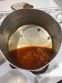 Người ta trổ tài nấu nướng khéo như đầu bếp còn Hari Won thì chỉ thấy ăn thủng bát thủng đĩa thế này đây!-15
