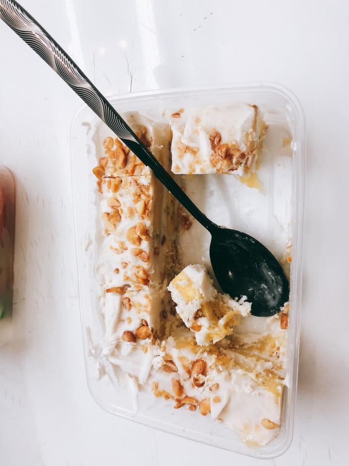 Người ta trổ tài nấu nướng khéo như đầu bếp còn Hari Won thì chỉ thấy ăn thủng bát thủng đĩa thế này đây!-5