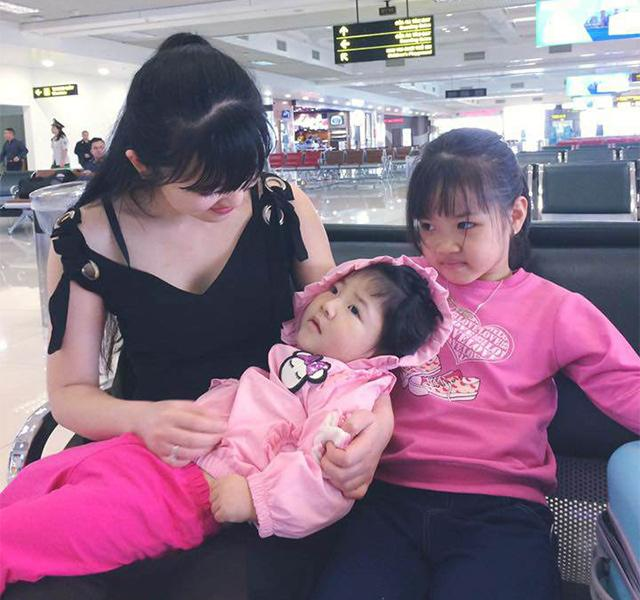 """Vừa chăm bé Yến Nhi, vừa mang bầu vượt mặt, tiểu thư 9x Lào Cai vẫn được phong thiên thần""""-2"""
