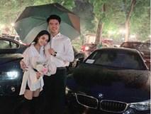 Ông xã ca nương Kiều Anh quỳ gối dưới mưa, tặng vợ món quà kỷ niệm