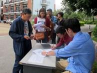 Vé chợ đen xem ĐT Việt Nam tăng phi mã sau một ngày phát hành