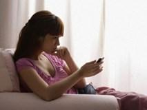 Phát hiện sự thật cay đắng về cuộc đời mình trong điện thoại của chồng