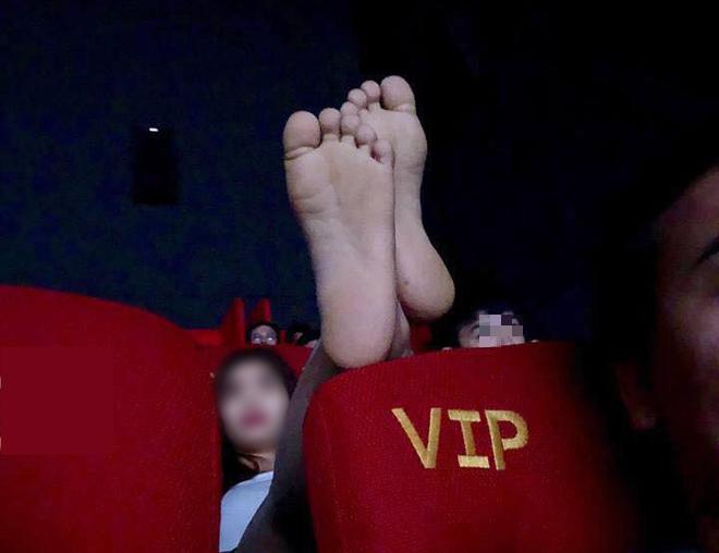 Chàng trai kể lại trải nghiệm kinh hoàng ở rạp chiếu phim vì hành động của đôi tình nhân-3