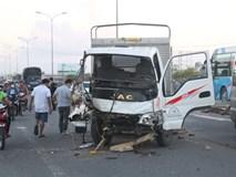 Hàng loạt xe đâm nhau liên hoàn, tài xế rơi ra ngoài tử vong