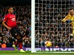 Fellaini giúp MU vào vòng knock-out Champions League-3