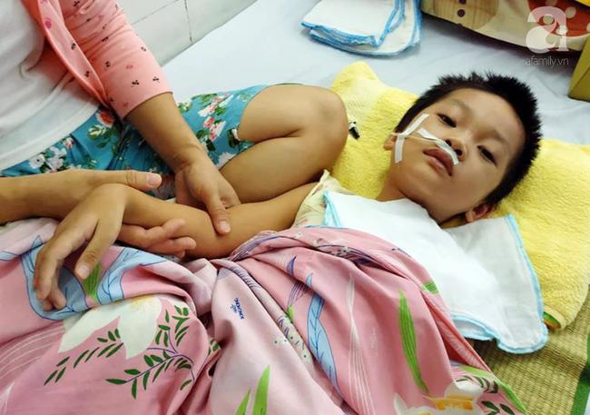 Bé gái 5 tuổi bị viêm màng não tự miễn sau cơn co giật, hơn 1 tháng không thể ngủ và liên tục la hét-3