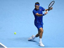 Thua Nishikori, Federer lần đầu gắt gỏng phàn nàn trọng tài