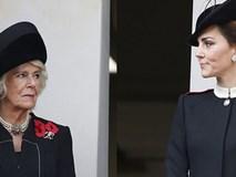 Khoảnh khắc bà Camilla liếc mắt nhìn con dâu gây sốt dư luận nhưng cách Công nương Kate