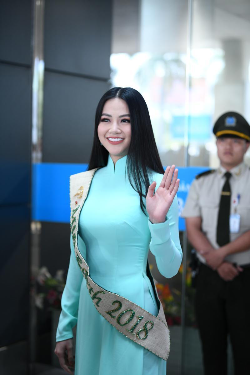 Người hâm mộ thất vọng vì HH Phương Khánh chỉ được mang vương miện giả về nước-1