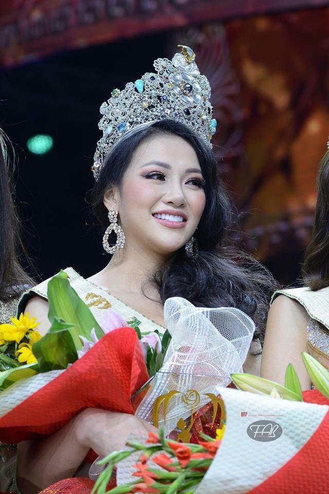 Người hâm mộ thất vọng vì HH Phương Khánh chỉ được mang vương miện giả về nước-6