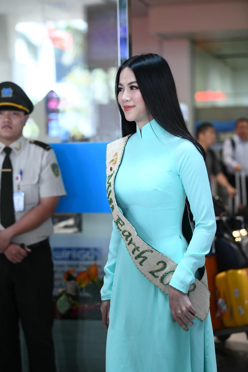Người hâm mộ thất vọng vì HH Phương Khánh chỉ được mang vương miện giả về nước-2