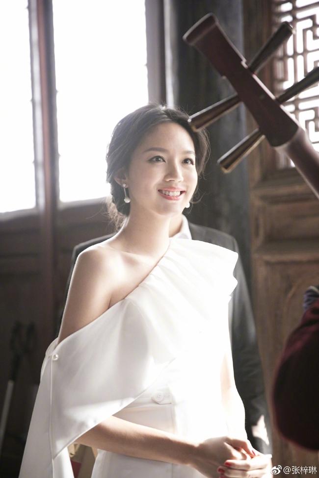 Hoa hậu Trương Tử Lâm - chân dài cũ của tỷ phú Hoàng Kiều đang sống thế nào?-15