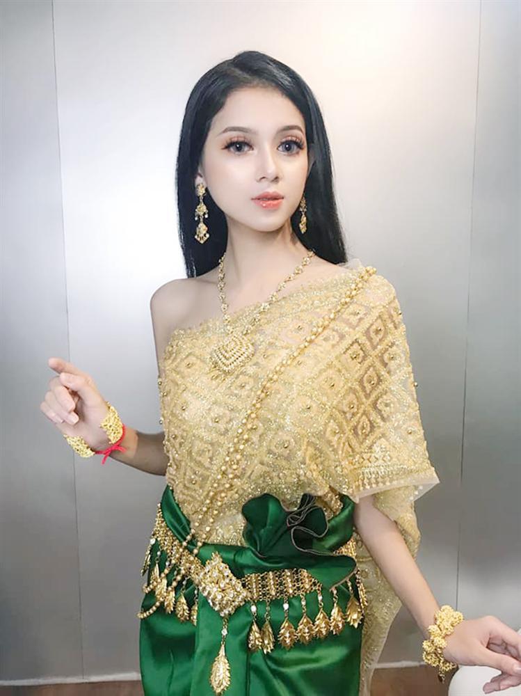 Xuất hiện thêm một cô gái dân tộc Khmer xinh hết phần thiên hạ khiến dân mạng tưởng nhầm con lai-2