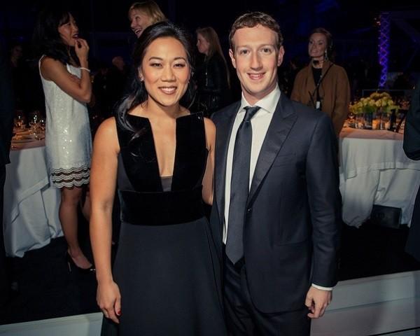 Thì ra đây là bí quyết của cô vợ kém xinh nhưng khiến ông trùm tỷ phú facebook vừa si mê, vừa nhất nhất ngoan ngoãn nghe lời-4