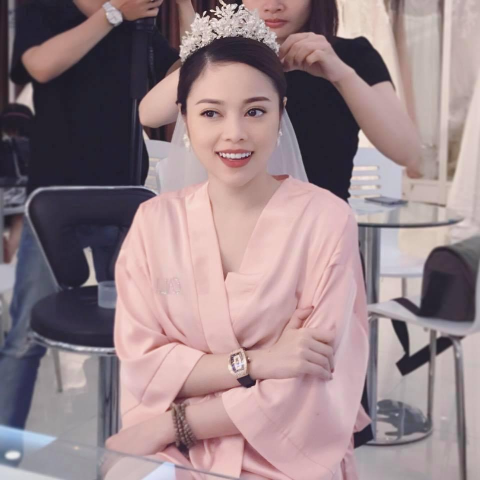 Top 7 hot mom nổi tiếng nhất MXH Việt: Người sở hữu nhà sang, xe xịn hàng chục tỷ, người nhan sắc lộng lẫy đáng ngưỡng mộ-13