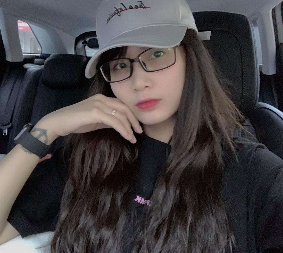 Top 7 hot mom nổi tiếng nhất MXH Việt: Người sở hữu nhà sang, xe xịn hàng chục tỷ, người nhan sắc lộng lẫy đáng ngưỡng mộ-3