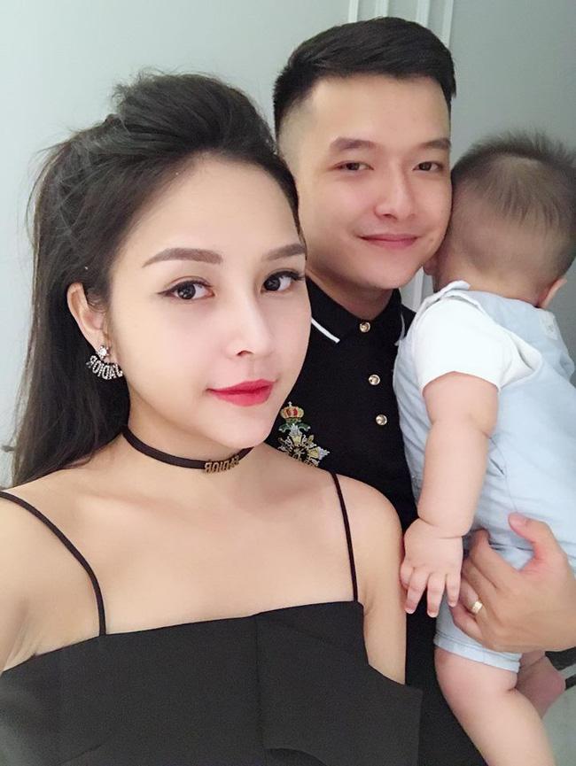 Top 7 hot mom nổi tiếng nhất MXH Việt: Người sở hữu nhà sang, xe xịn hàng chục tỷ, người nhan sắc lộng lẫy đáng ngưỡng mộ-21
