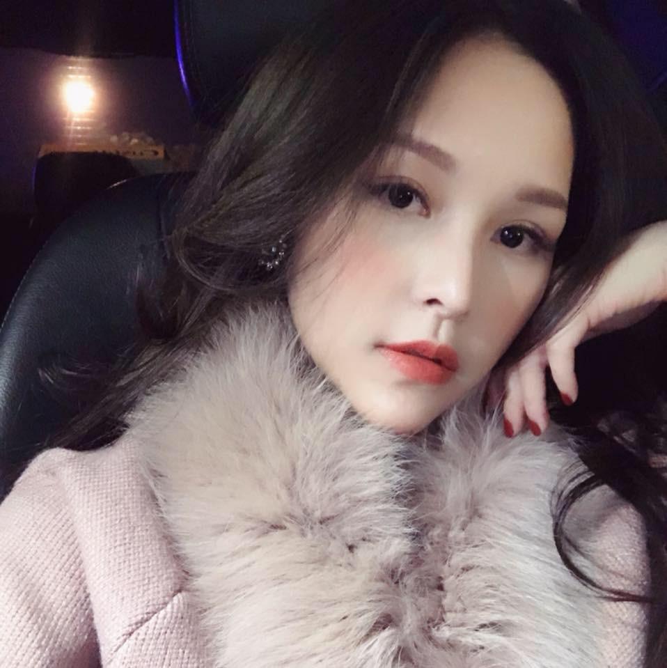 Top 7 hot mom nổi tiếng nhất MXH Việt: Người sở hữu nhà sang, xe xịn hàng chục tỷ, người nhan sắc lộng lẫy đáng ngưỡng mộ-23
