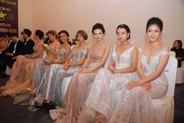 Ngắm nụ cười đẹp đến mê hồn của Hoa hậu Phương Khánh-6