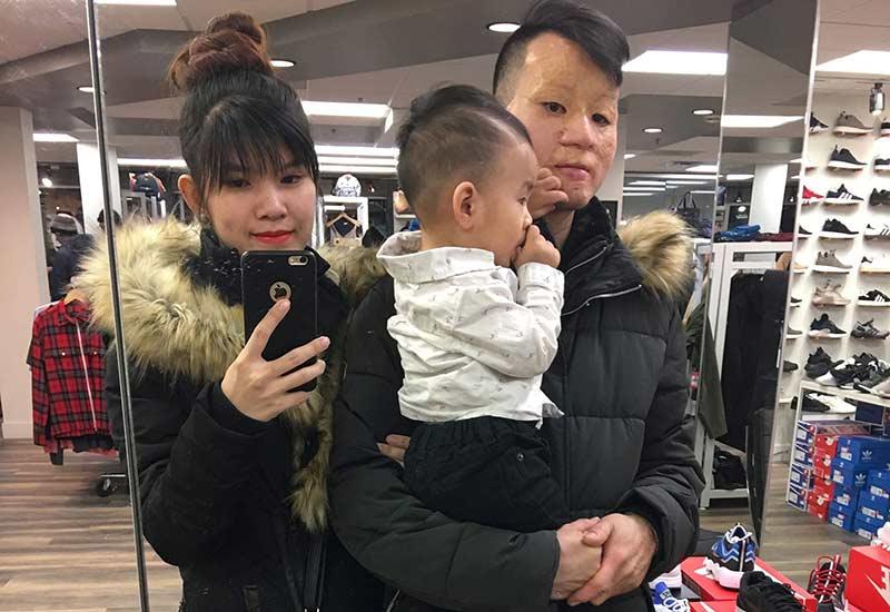 Cảnh sống ở Canada của đôi chồng xấu- vợ xinh sau 4 năm, nhìn ảnh con trai mà bật khóc-13
