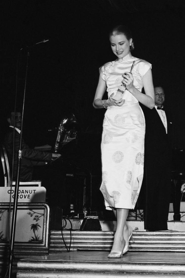 """Grace Kelly – vị Công nương từ nhan sắc đến phong cách thời trang đều gói gọn trong 2 chữ hoàn hảo""""-3"""