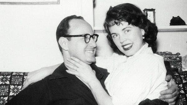 Mối tình kỳ diệu nhất Hollywood của Stan Lee: Yêu từ khi chưa gặp mặt, mất 2 tuần để đập chậu cướp hoa rồi bên nhau 70 năm không rời-2