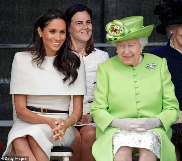 Meghan muốn gì phải được nấy khiến 3 trợ lý riêng đồng loạt nghỉ việc, trong đó có tâm phúc của Nữ hoàng Anh-2