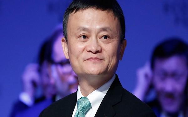 Cách lùi 1 được 2 của vợ Jack Ma, hi sinh 1 cách bài bản để ông chồng tỷ phú cũng nhất nhất nể vợ-1