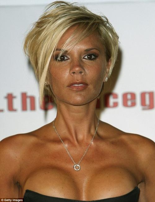 Người ta ngực khủng thì đẹp, riêng bà Becks lên đời nhan sắc nhờ lép-2