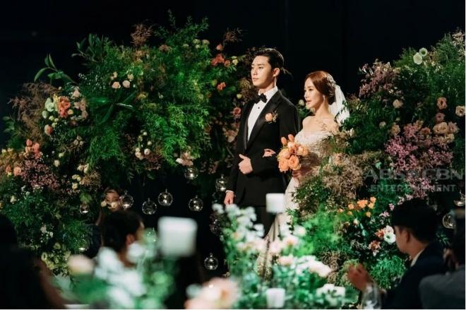 Lộ ảnh cưới tuyệt đẹp trong hôn lễ ngọt ngào viên mãn của cặp đôi chính trong Thư ký Kim-1