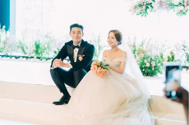 Lộ ảnh cưới tuyệt đẹp trong hôn lễ ngọt ngào viên mãn của cặp đôi chính trong Thư ký Kim-2