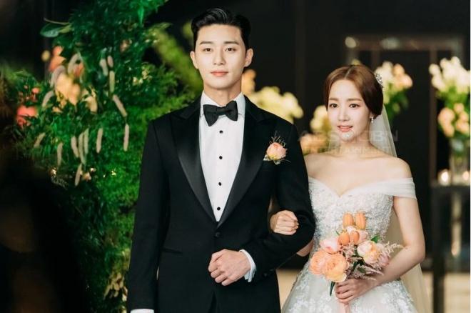 Lộ ảnh cưới tuyệt đẹp trong hôn lễ ngọt ngào viên mãn của cặp đôi chính trong Thư ký Kim-6