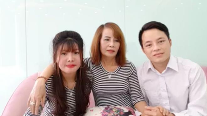 Cô dâu 62 tuổi livestream, tiết lộ tin sốc Thị Nở tái sinh là vợ hai của chồng?-2