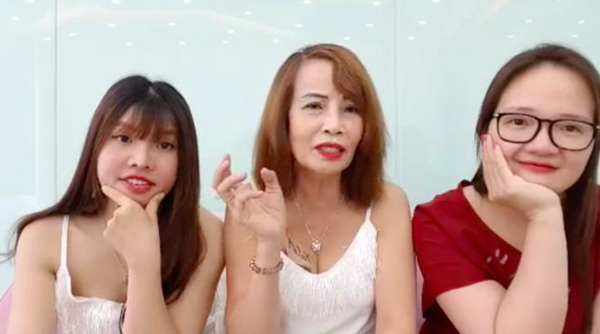 Cô dâu 62 tuổi livestream, tiết lộ tin sốc Thị Nở tái sinh là vợ hai của chồng?-5