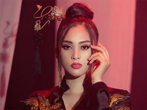 Ngắm tạo hình cổ trang ma mị Tiểu Vy mang tới Miss World 2018