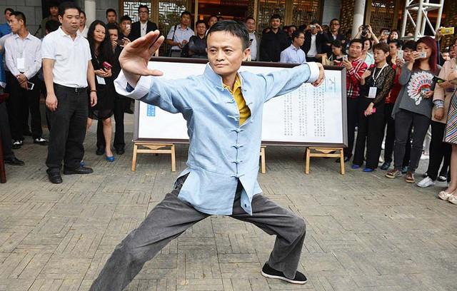 Không chỉ nhà buôn, người trẻ đi làm ở Trung Quốc giờ còn lập bàn thờ Jack Ma trong nhà như thờ Thần tài-2