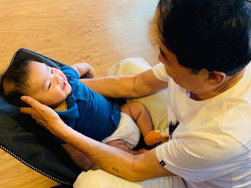 Chân dung cậu con trai 3 tháng tuổi sắp lên chức anh của Hải Băng - Thành Đạt-8