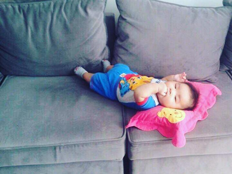 Chân dung cậu con trai 3 tháng tuổi sắp lên chức anh của Hải Băng - Thành Đạt-13