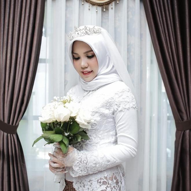 Hôn phu gặp nạn trên chuyến bay Lion Air, cô dâu vẫn tổ chức đám cưới một mình vì lời nhắn trước khi anh đi-2