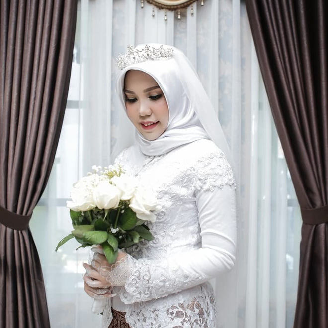 Hôn phu gặp nạn trên chuyến bay Lion Air, cô dâu vẫn tổ chức đám cưới một mình vì lời nhắn trước khi anh đi-3