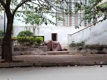 Người dân hốt hoảng phát hiện bé gái khoảng 5 tuổi rơi từ chung cư N03 Dịch Vọng