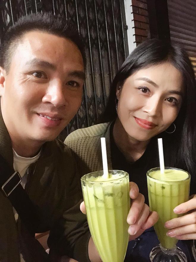 Trước khi công bố chia tay, MC Hoàng Linh vẫn liên tục cập nhật hình ảnh hạnh phúc với hôn phu lên Facebook-4