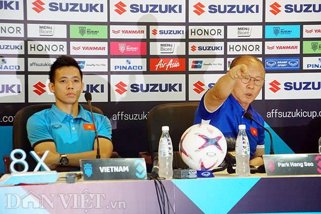 HLV Park Hang seo nghi đồng nghiệp Malaysia chém gió-2
