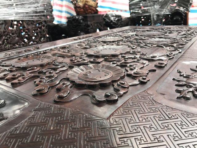 Thương lái Trung Quốc càn quét đồ gỗ trắc, 4 bộ ghế trả luôn 1 triệu USD-2