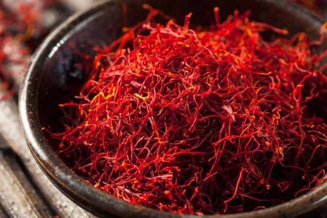 Bí mật thú vị của saffron - gia vị đắt nhất thế giới gần 1 tỷ/kg từng được Nữ hoàng Ai Cập dùng dưỡng nhan-1