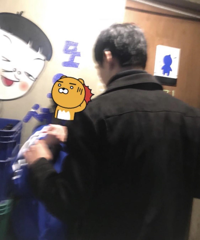 Hàn Quốc: 2 cô gái trẻ bị 4 người đàn ông tấn công chỉ vì vẻ ngoài thiếu nữ tính và để tóc ngắn, người dân bức xúc yêu cầu Nhà Xanh vào cuộc-2