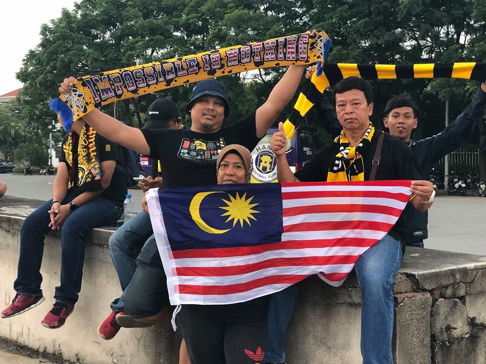 Fan Malaysia đại náo trên phố cổ Hà Nội trước cuộc so tài với Việt Nam ở AFF Cup 2018-3