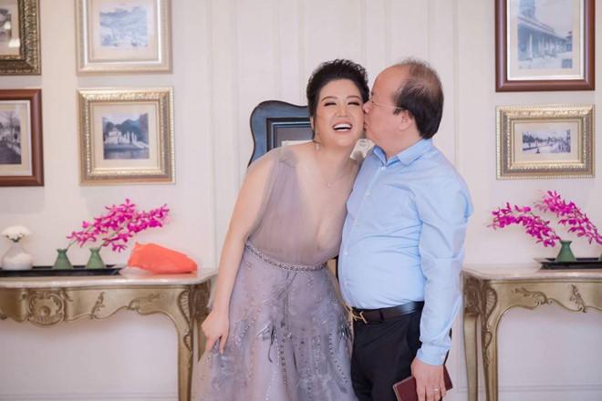 Ca sĩ Đinh Hiền Anh làm lễ cưới với Thứ trưởng Bộ Tài chính-3